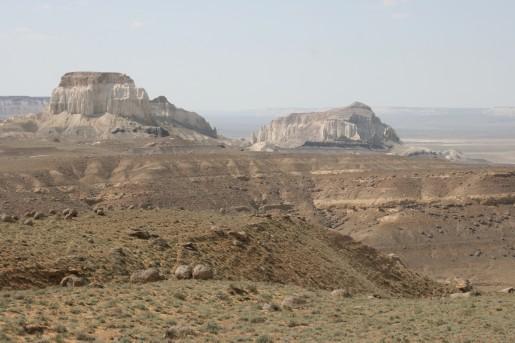 Долина замков Айракты и Шоманай