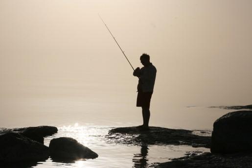 Рыбалка в лучах заката
