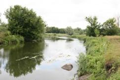 Валуны в русле реки
