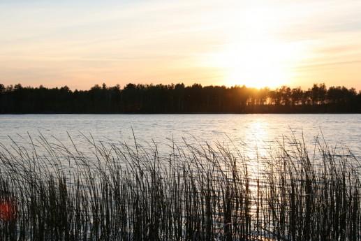 Закат на озере Великое Почаевское