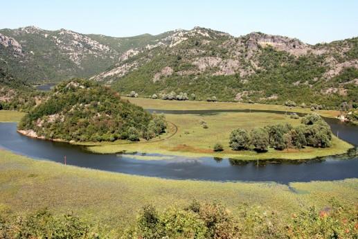 Вид на реку Черновица со смотровой площадки